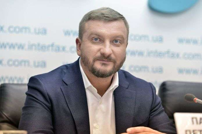 Картинки по запросу Міністр юстиції України П.Петренко