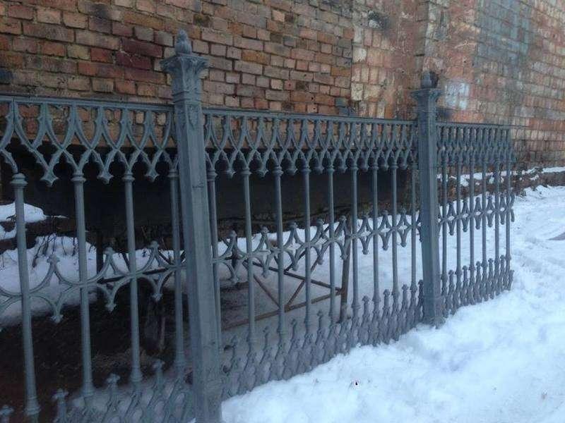Een Winters Balkon : Балкон на вулиці Кобилянської повернуть до 15 лютого О.Пушкова