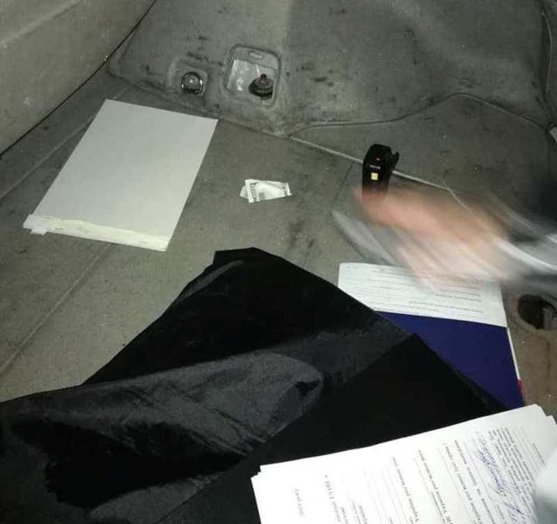 У Чернівцях п'яний водій пропонував патрульним хабар (ФОТО, ВІДЕО)