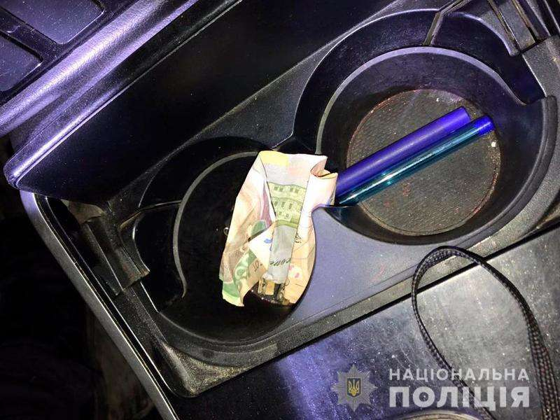 На Буковині водій намагався підкупити поліцейського, аби не проходити тест на сп`яніння