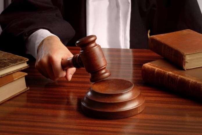 Судили чернівчанина, який намагався підкупити патрульних