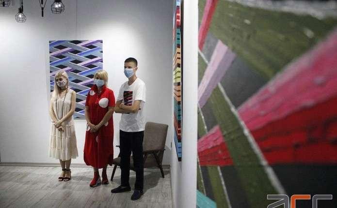 У Чернівцях відкрили персональну виставку картин Данила Гулька (ФОТО)