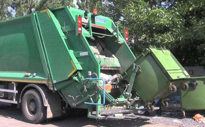 У Чернівцях хочуть підвищити тариф на вивіз відходів і встановити контейнери для великогабаритного сміття