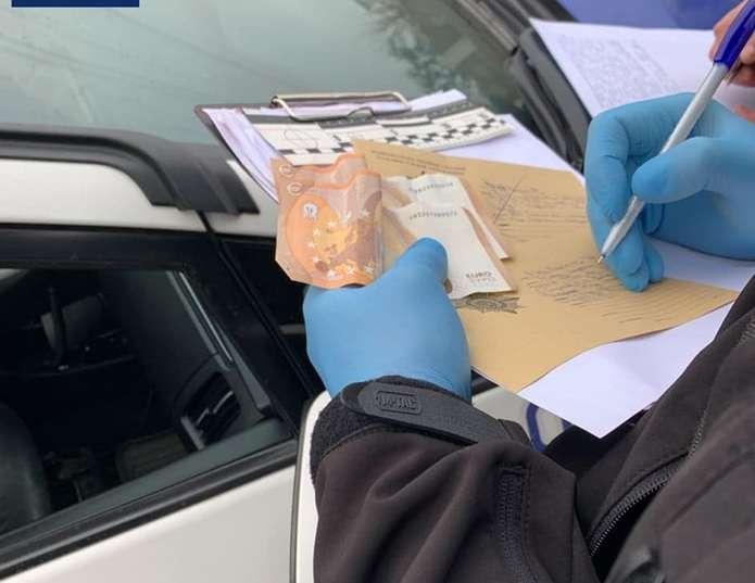 У Чернівцях п'яний водій хотів підкупити патрульних