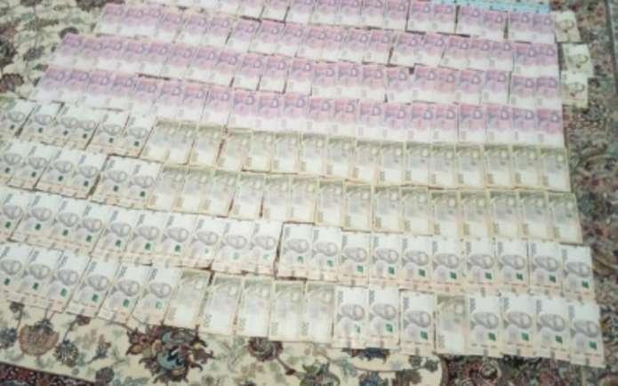 Трьох службовців Хотинського лісгоспу підозрюють у хабарництві на 100 тисяч гривень