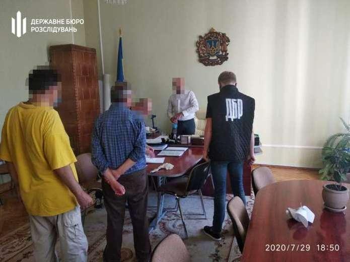 Ексдиректора департаменту освіти Чернівецької ОДА оштрафували за отримання хабаря