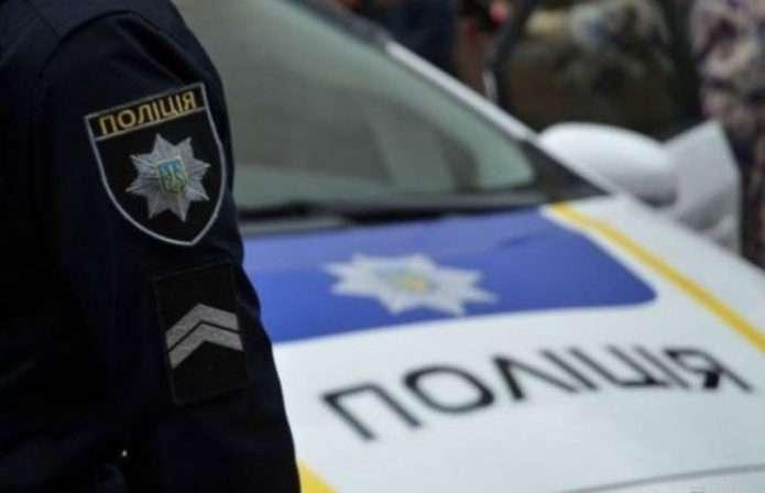 Дав патрульним дві тисячі хабаря: на Буковині затримали водія