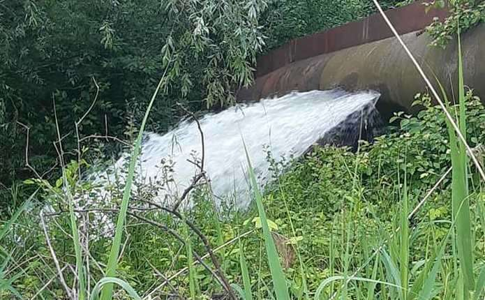 На Буковині стався масштабний прорив на водогоні: Чернівці знову можуть залишитись без води